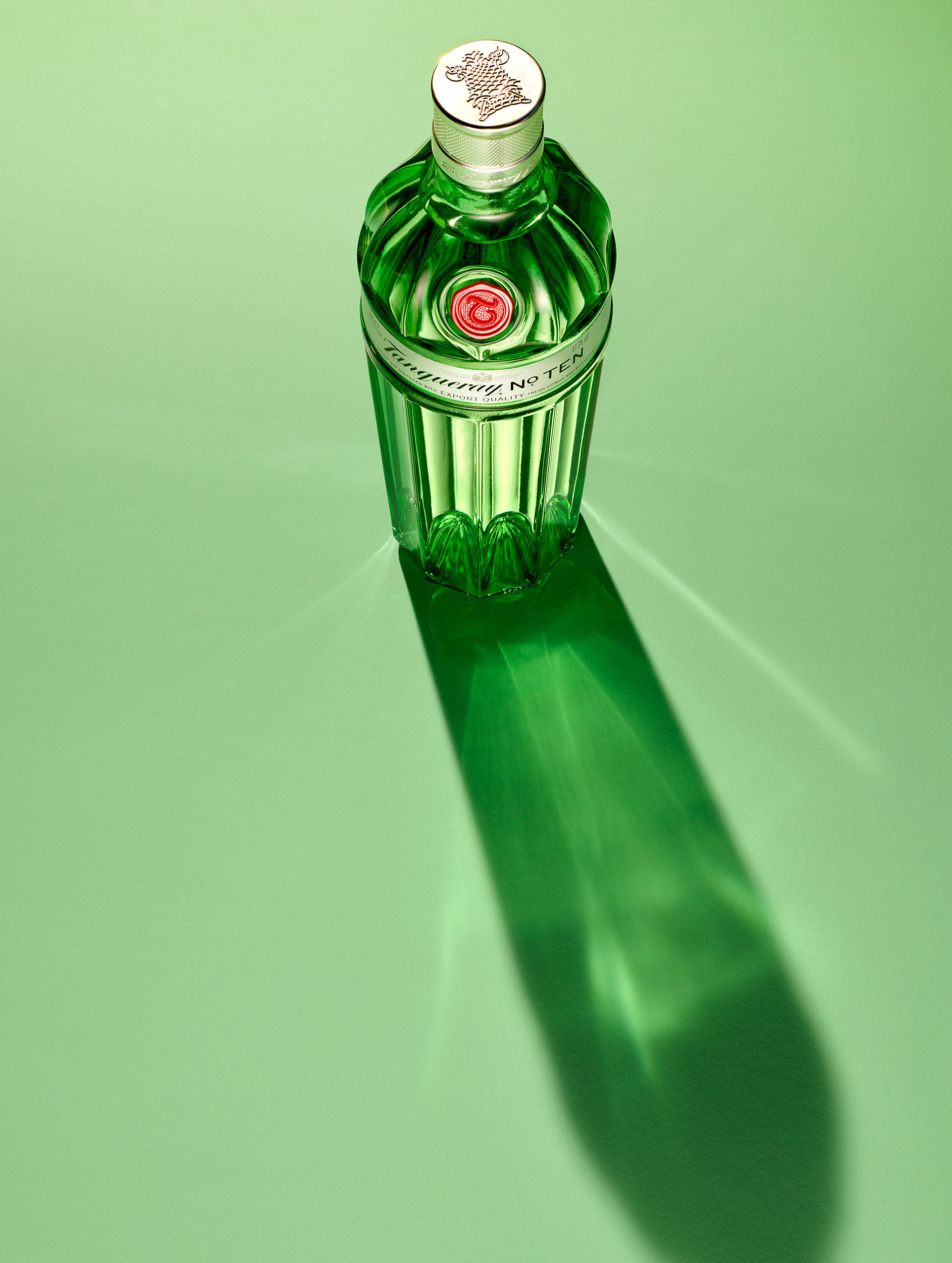 Tanqueray_on_green_Saramorris_web